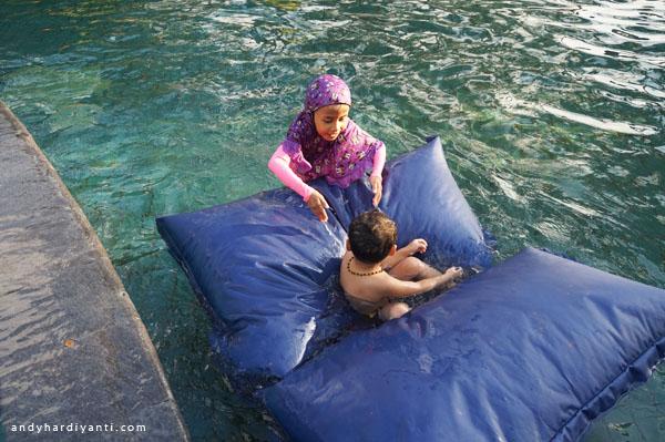 kolam-renang-di-lombok